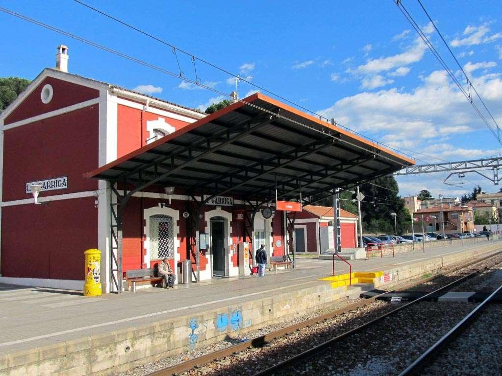 Obra nueva Barcelona La Garriga estación de tren